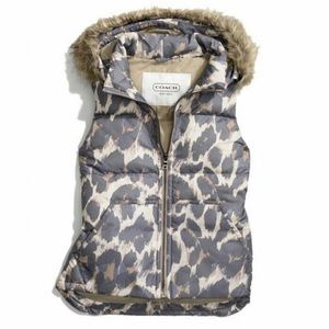 COACH HOODED ANIMAL PRINT PUFFER VEST (F83991)